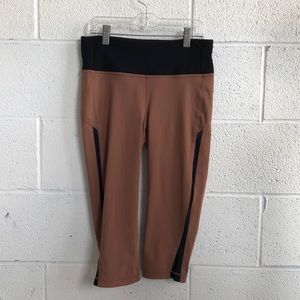 Lululemon brown & black crop legging sz 6 61399